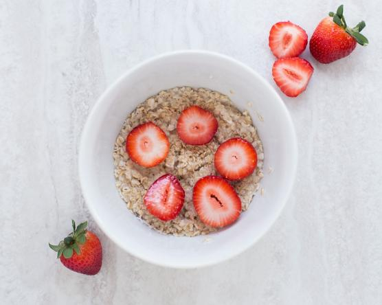 Oatmeal strawberries